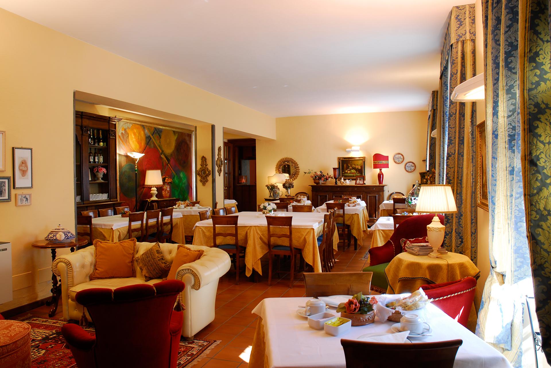 hotel-la-rocca-gubbio-sala-ristorante